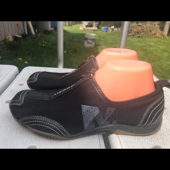 c94e69d837 Merrell Barrando Black Zip Slip On Sneakers